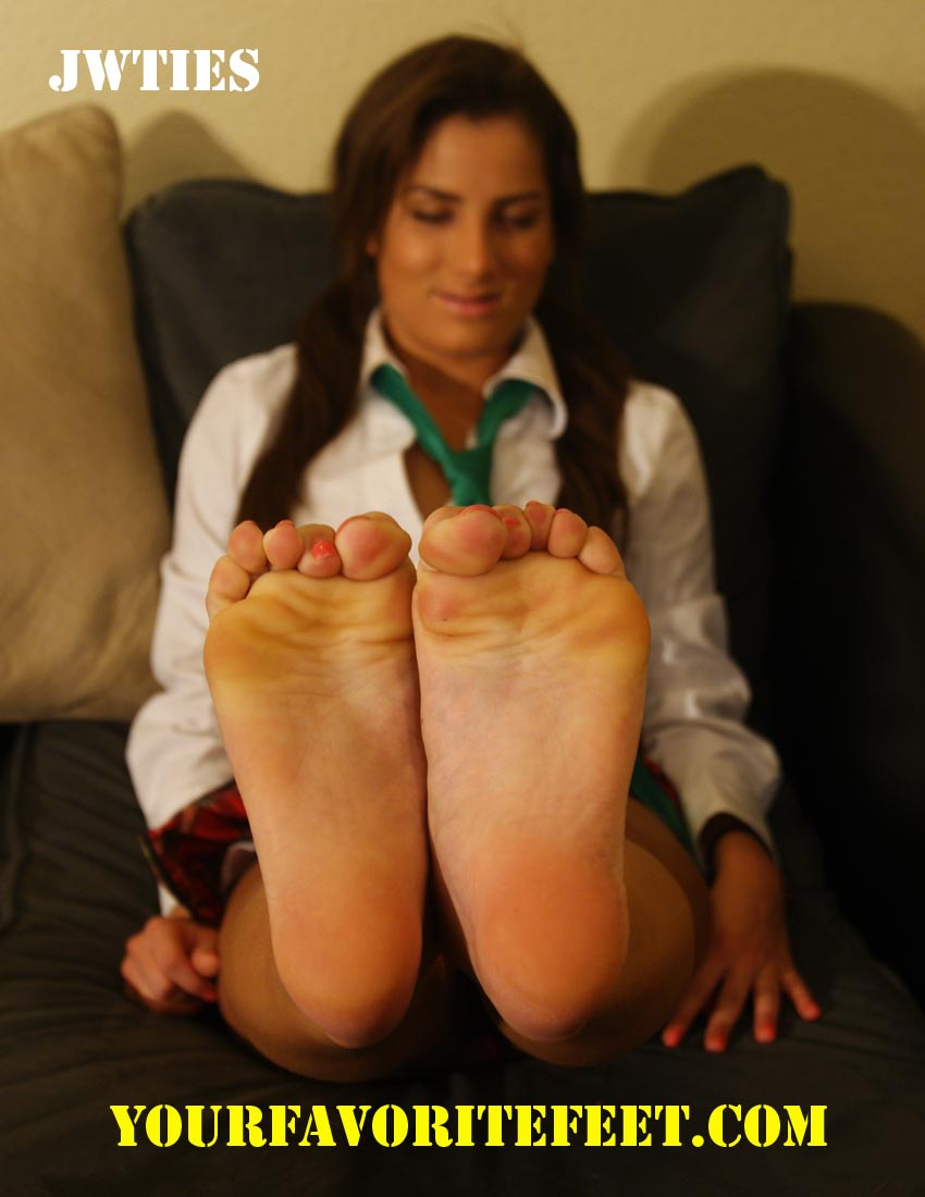 Asian Teen Feet Worship 114